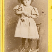 photo Marguerite enfant par Galland